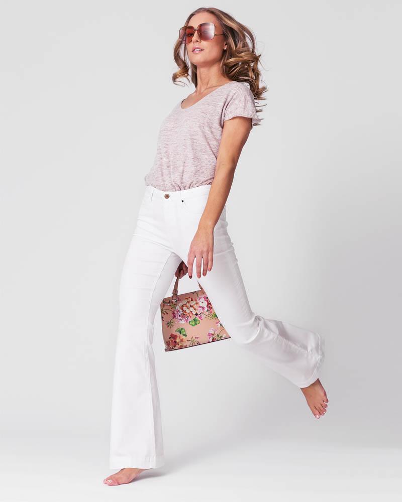 Packshot med modell